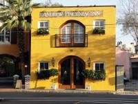 Pickney Inn