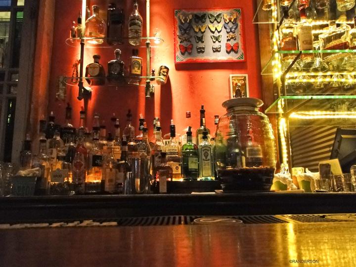 Dive bar, photo